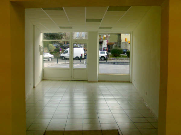 locationslocaux commerciaux pas de porte droit au bail. Black Bedroom Furniture Sets. Home Design Ideas